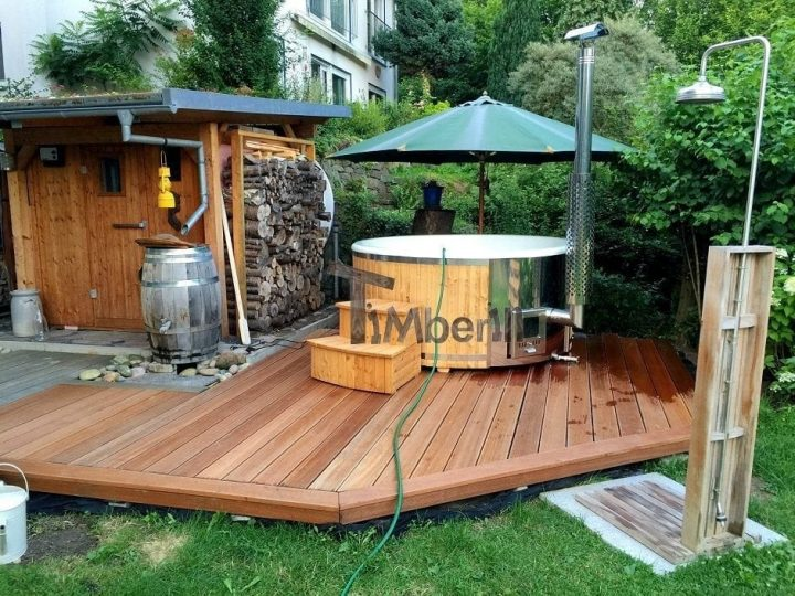 badefass gfk l rche mit integrierter ofen wellness royal. Black Bedroom Furniture Sets. Home Design Ideas