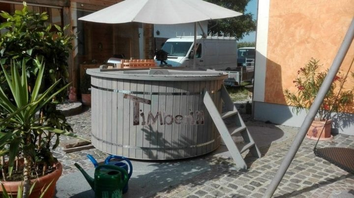 Badefass Mit Kunststoff, Alfred, Ort Im Innkreis, Austria