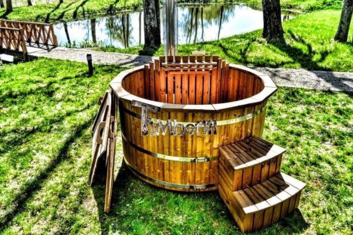 Badetonne-Badezuber-Badebottich-Badefass-aus-Thermoholz-700x466 Badezuber - Badefass - Badetonne - Badebottich - Hot Tubes für Ihren Garten!