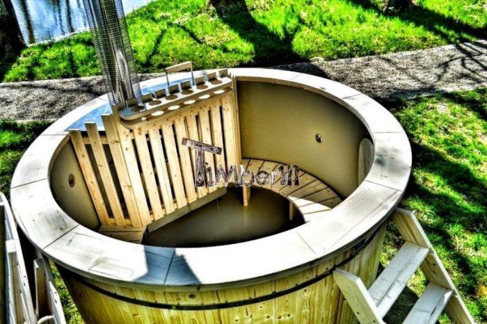 Badetonne-Badezuber-Badebottich-Badefass-mit-Kunststoffeinsatz-Garten-im-Sommer-700x466 Badezuber - Badefass - Badetonne - Badebottich - Hot Tubes für Ihren Garten!