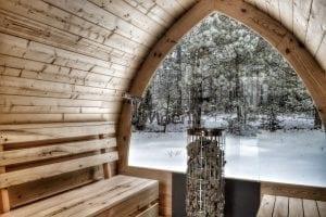 Aussensauna mit vollem Panoramafenster und Elektroofen Cilindro Winter