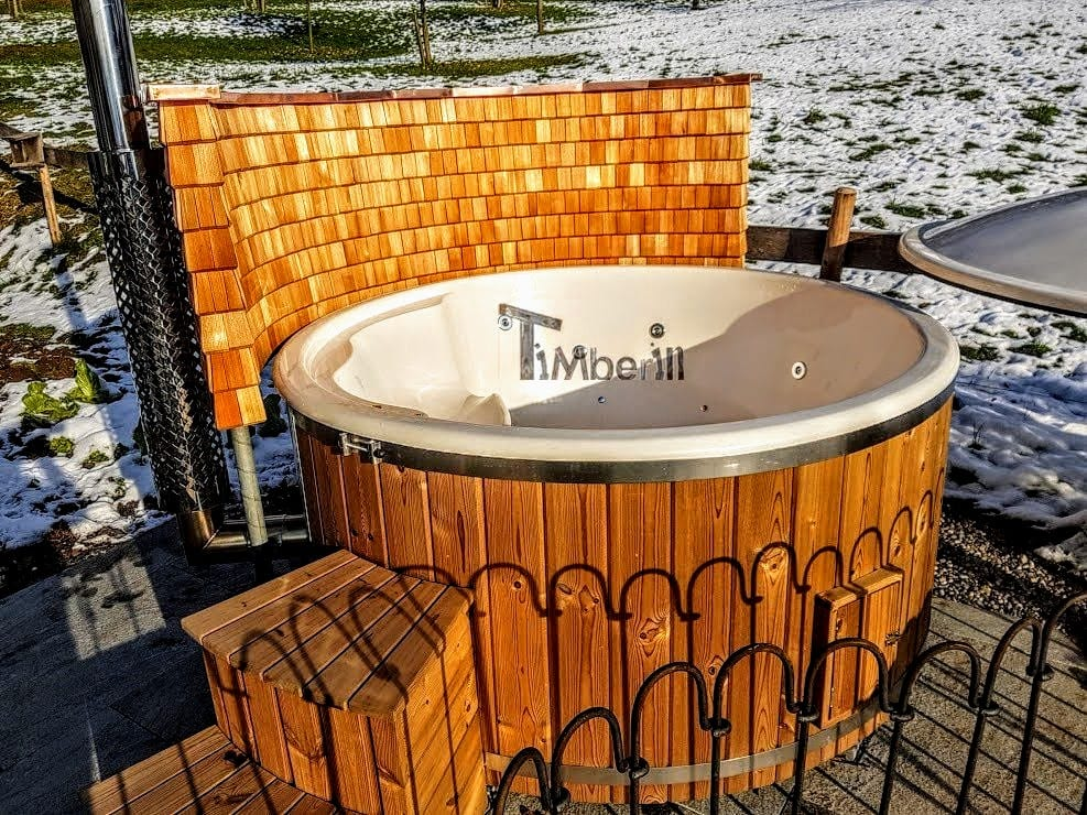 Badefass-gfk-Thermoholz-mit-integriertem-Ofen-Wellness-Royal-David-Schwyz-Schweiz-5 Bewertungen - Erfahrung TimberIN