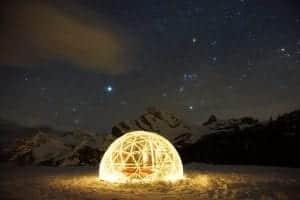 Abenteuercamp Braunwald könnt ihr den Hot Tub von TimberIN