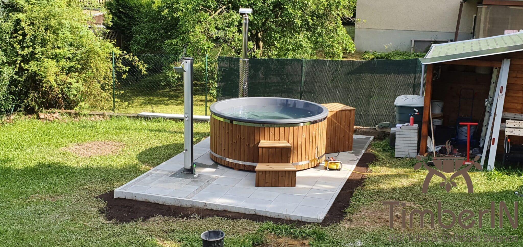 Badezuber Badefass Hot Tube mit Whirlpool Holzofen TimberIN Rojal Steffen Niederwiesa Deutschland 5 1 scaled
