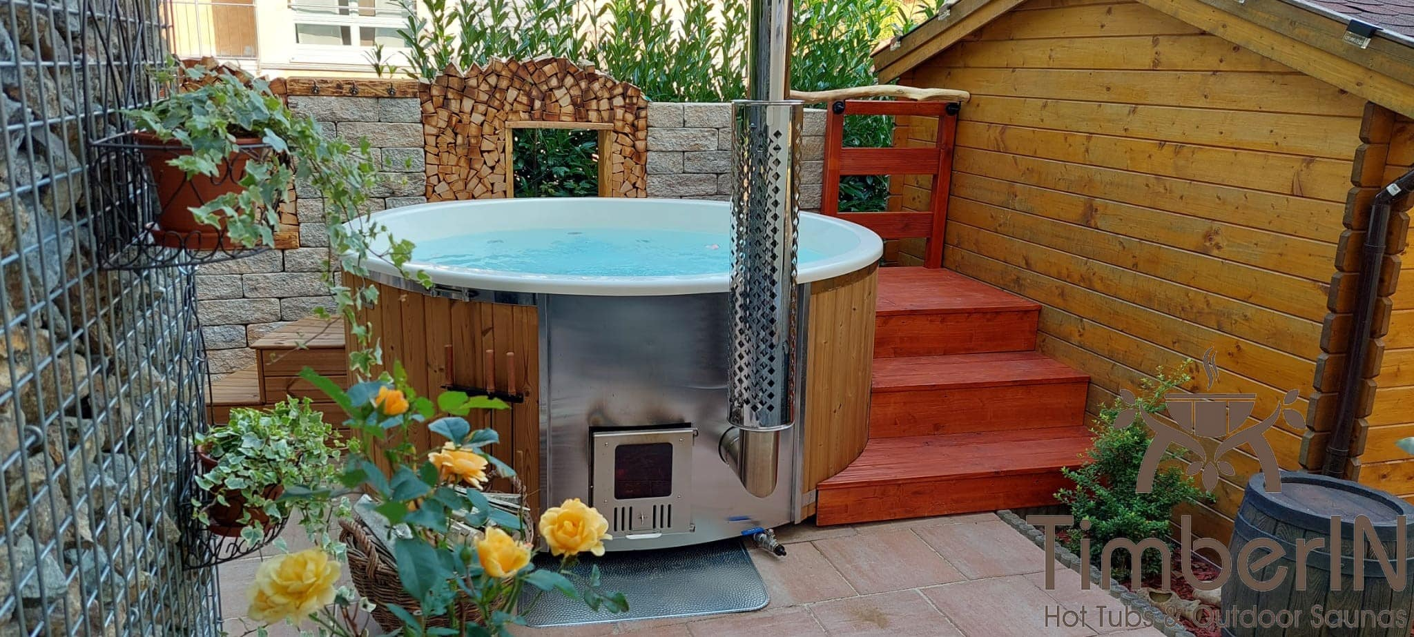 Badezuber Badefass Hot Tube mit Whirlpool Holzofen TimberIN Rojal Martin Steinach Deutschland 6