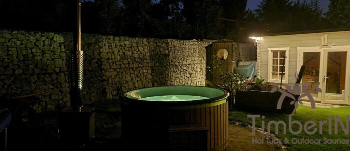 Badezuber Badefass Hot Tube Mit Whirlpool Holzofen – TimberIN Rojal (3)